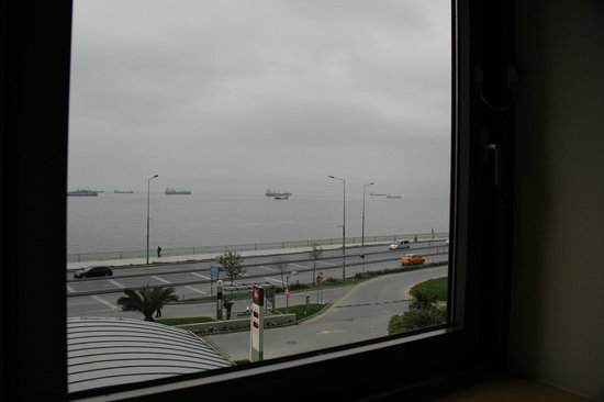 Ibis Istanbul City West Hotel: view to Marmara
