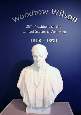 Woodrow Wilson Presidential Library and Museum: Bust of Woodrow Wilson