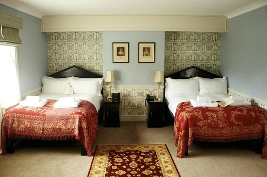 The Pembroke Arms Hotel : Italianate - Chic Room