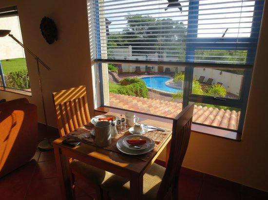 Guesthouse Pinkepank: Frühstücks und Aufenthaltsraum