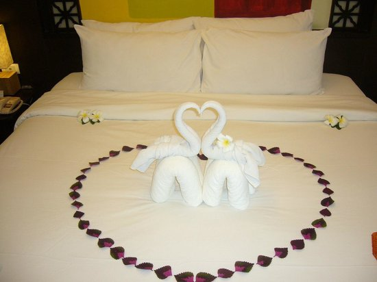New Star Beach Resort: our confortable Bed ;)