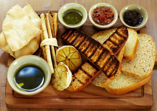 The Pembroke Arms Hotel : Bread platter