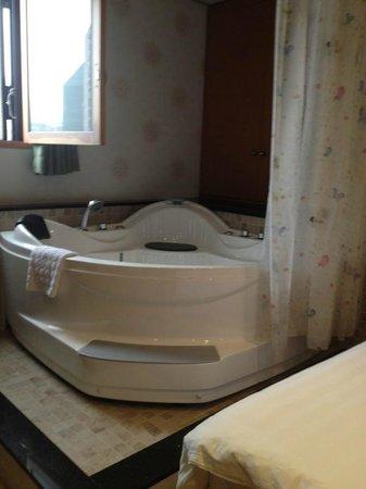 HOTEL GS: Jaccuzi