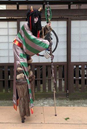 Asakusa Denpoin-dori : Japanese demon street performer