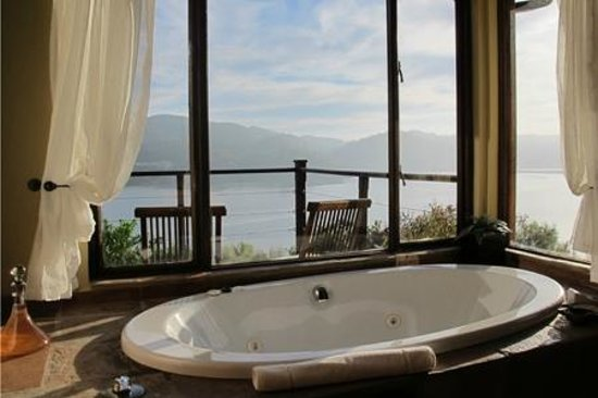 Elephant Hide of Knysna Guest Lodge: View from Bathroom