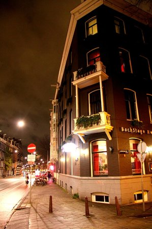 BackStage Hotel Amsterdam: View of Hotel at night