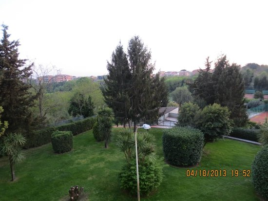 Crowne Plaza Rome - St. Peter's : view from room
