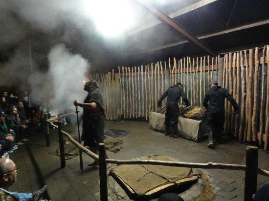Tamaki Maori Village: Le Hangi