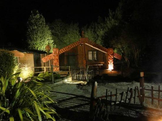 Tamaki Maori Village: L