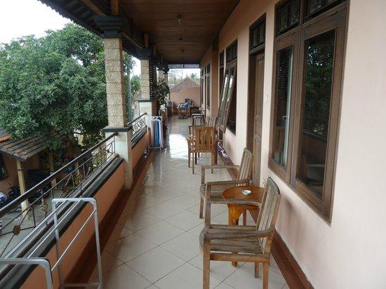 New Asta Graha Homestay: bovenverdieping