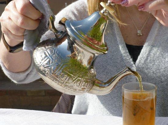 Riad Idra: Mint tea with breakfast