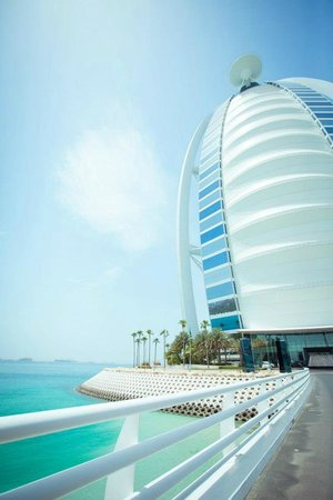 Burj Al Arab Jumeirah: Buggy ride to the beach