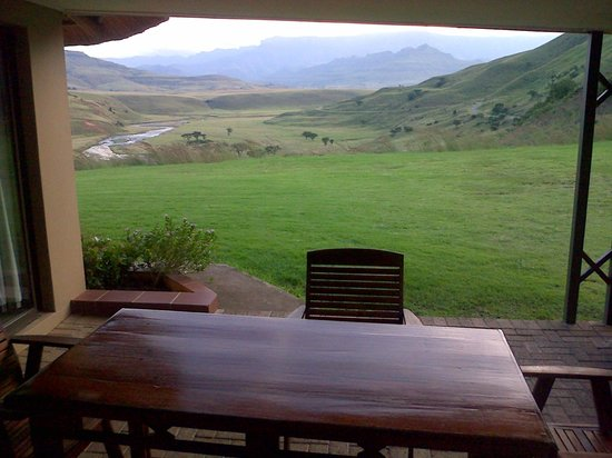 Hlalanathi Drakensberg Resort : Clear view from patio