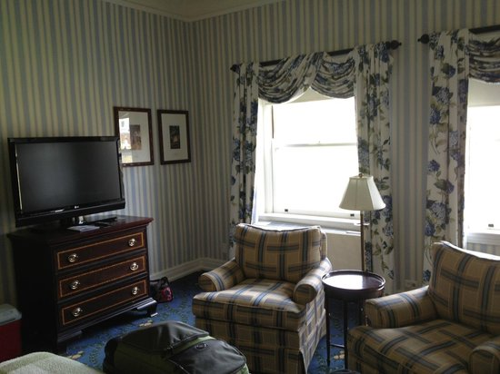 The Omni Homestead Resort: TV & Seating