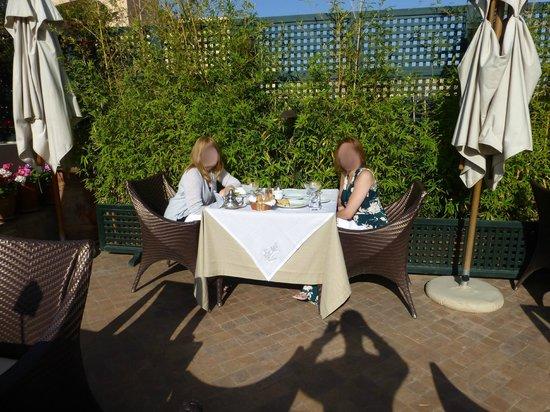 Riad Idra: Breakfast on the roof terrace