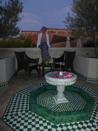 Riad Idra: On the roof terrace at dusk