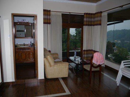 Serene Grand Hotel: Room