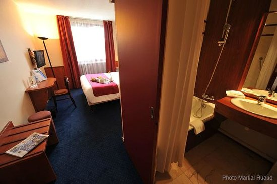 Photo of Brit Hotel Nantes La Beaujoire - L'Amandine