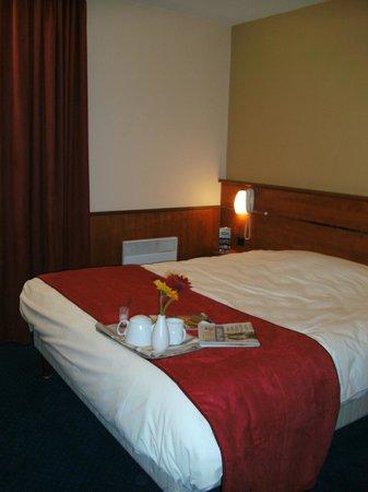 Brit Hotel Nantes La Beaujoire - L'Amandine : Chambre avec lit double