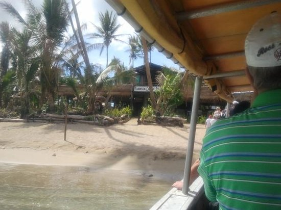 Robinson Crusoe Island Resort: bit muddy than other islands lol