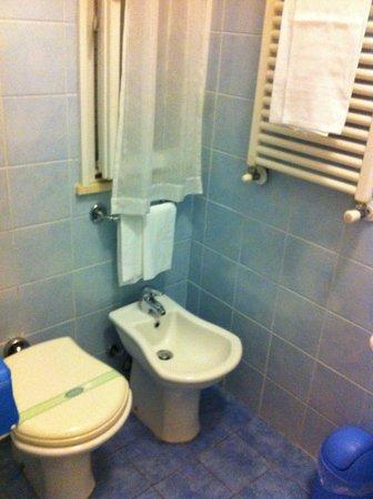 Hotel Riviera Blu: Bagno