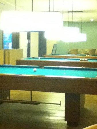 Hamilo Cove Wreck: billiard room