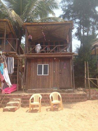 Papillon Beach Huts : Our Beach Hut - Front