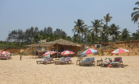 Lui Beach Resort: Beach 2 mins walk from hotel