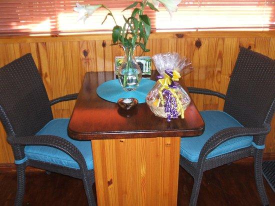 Knysna Tonquani Lodge & Spa: Dining Chalet 4