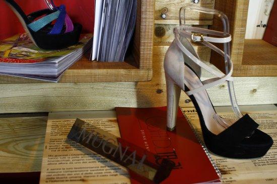 new arrivals d8327 0c24c Le scarpe - Mugnai Collection - Picture of Caffe de Telai ...