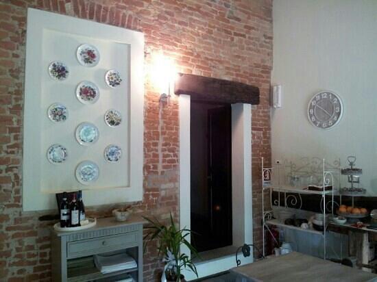 Tenuta Polledro B&B : La stanza della colazione - Ingresso