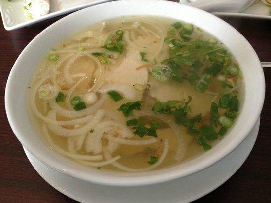 Saigon Spring Vietnamese Restaurant: Pho Ga (Chicken Noodle Soup)