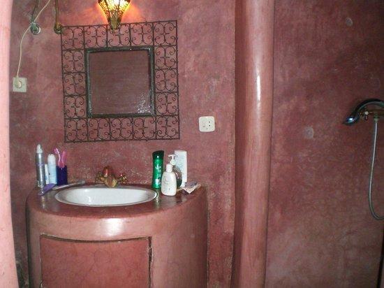 Dar Marhaba: bagno camera