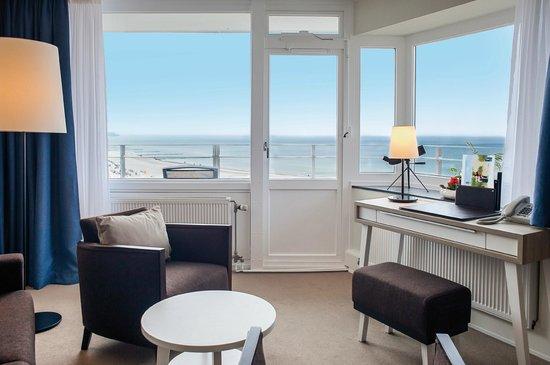 Hotel NEPTUN: Eckzimmer, Blick vom Zimmer auf die Ostsee