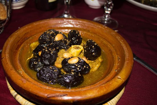 Collier de la Colombe: lamb with prunes