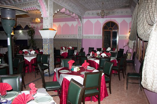 Collier de la Colombe: dining room