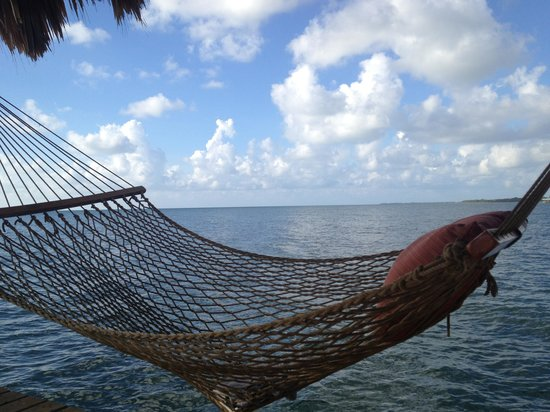 Singing Sands Inn: hammock time
