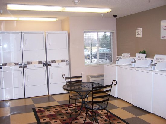 Candlewood Suites Chicago Libertyville : Complimentary Laundry Facilities