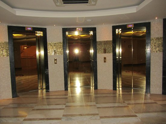 Melas Lara Hotel: Lifts are very fast, we never waited long