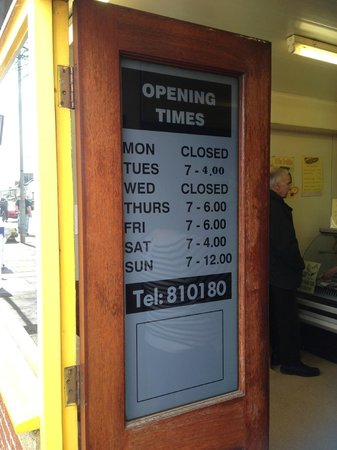 Burslem, UK: Opening Times