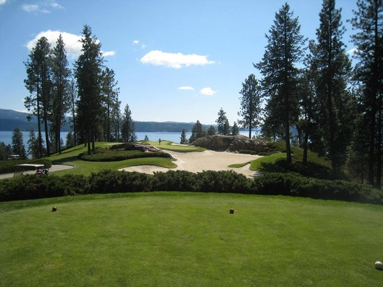 Coeur d'Alene Resort Golf Course: one of the other intimidating par 3's