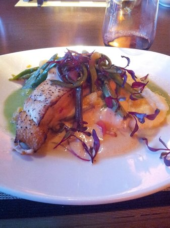 Kil@Wat: Halibut with pea puree and brown butter Hollandaise