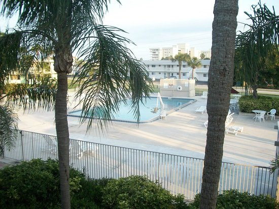 Motel 6 Cocoa Beach: piscina