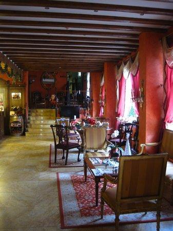 Palacio Azcarate: Recepción