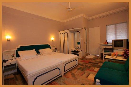 Edassery Resort Kattapana