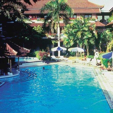 Saphir bali hotel reviews seminyak indonesia for Best value hotels in bali