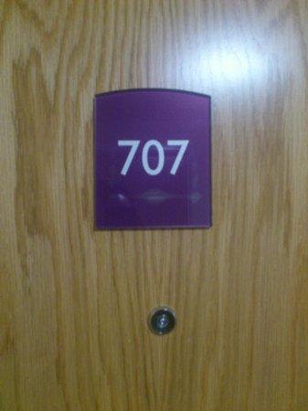 Premier Inn Sheffield City Centre (St Mary's Gate) Hotel: Room 707