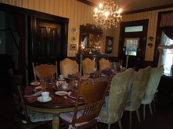 Plymouth House Inn: Dining Room