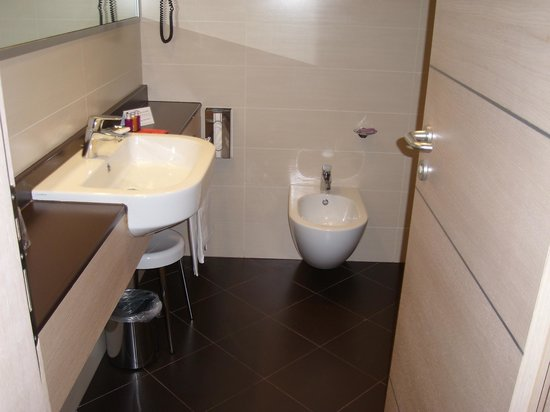 iQ Hotel Roma: Room 421 - Bathroom
