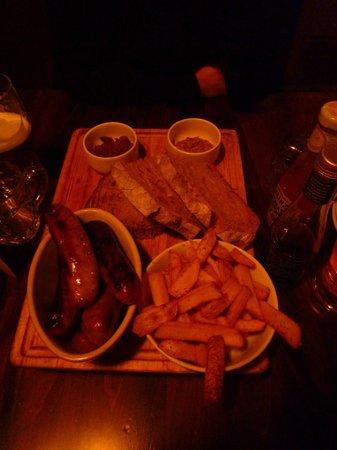 The Mitre in Lancaster Gate : une entrée! assortiment de saucisses anglaises délicieuses